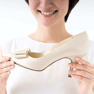 オフィスカジュアルに向いている靴とは?選び方やNGをチェック!
