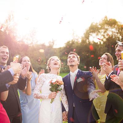 【30・40代向け】結婚式向けフォーマルワンピース7選!上品&大人見せのポイントも紹介