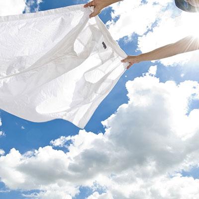 洗濯物の色移りにはコレ! 家事マイスター(R)が教える、色移りの落とし方と防ぎ方